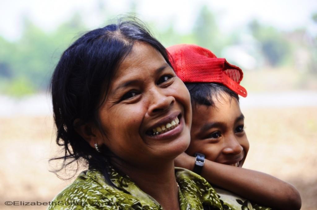 ElizabethSundayAnne_Cambodia_1
