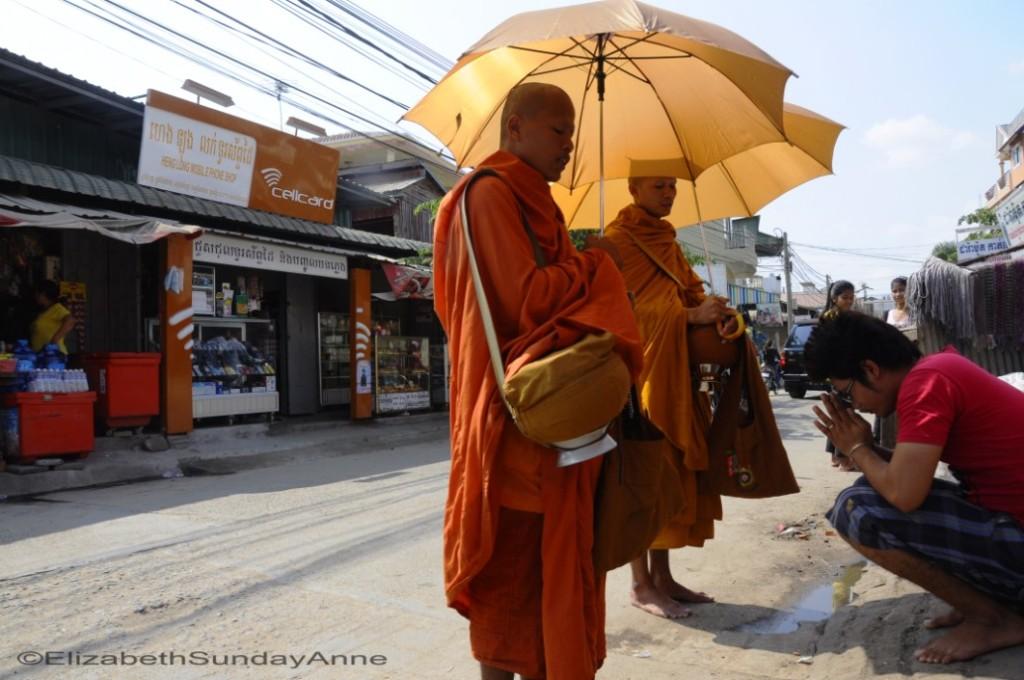 ElizabethSundayAnne_Cambodia_3