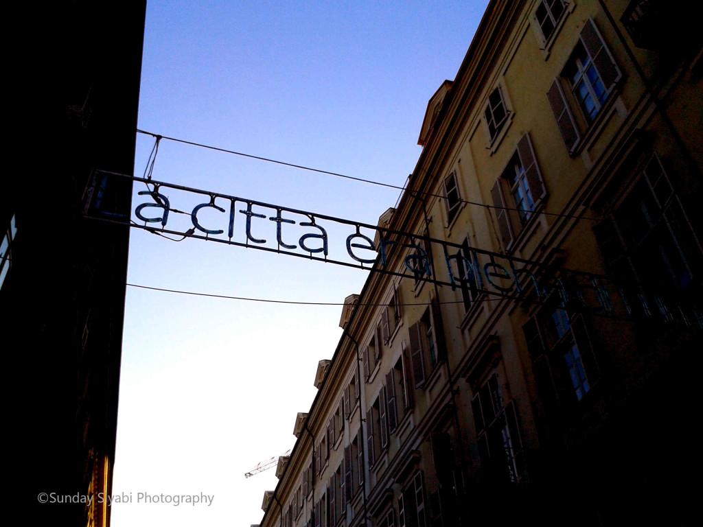 Torino Via Lagrange luminarie Natale