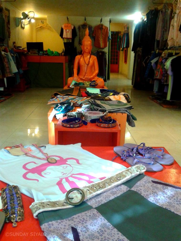 Street 240 shopping phnom penh cambogia (3)