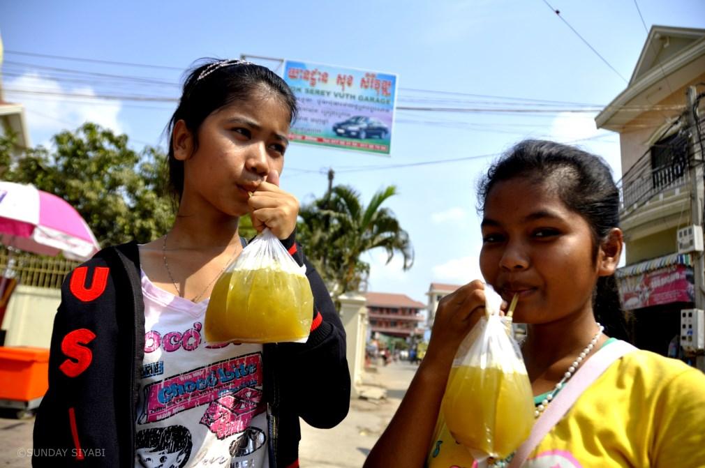 sugar cane juice phnom penh.JPG