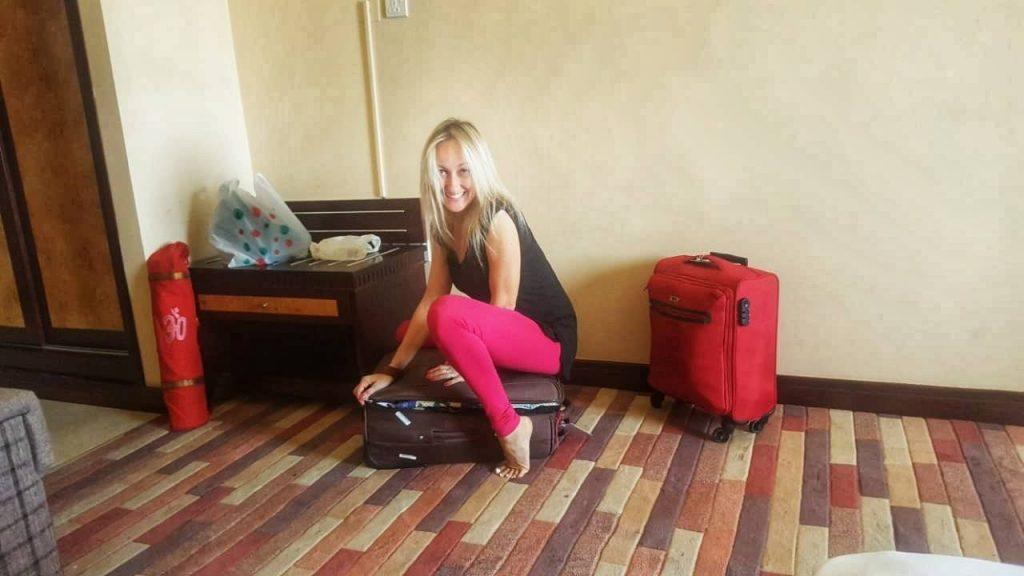 40 frasi e aforismi sui viaggi - fare la valigia leggera